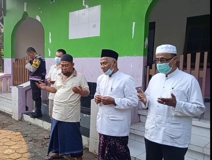Habib Muhdor Alatas dan KH Sodik
