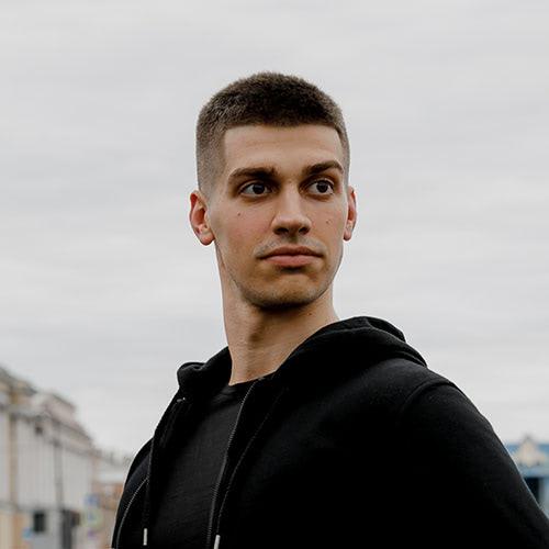 Андрей Назаренко