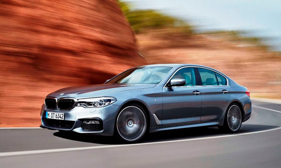 5Series.net - 2017 BMW 540i In Motion