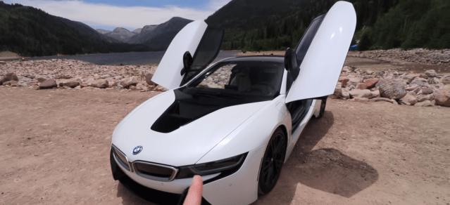 BMW i8 versus Audi R8 supercar