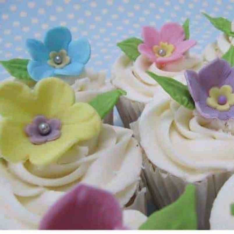 Summer Garden Buttercream Cupcakes