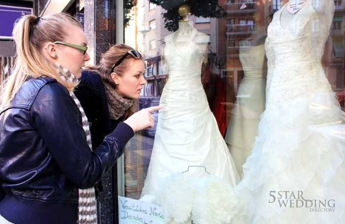bride-shopping-for-a-dress
