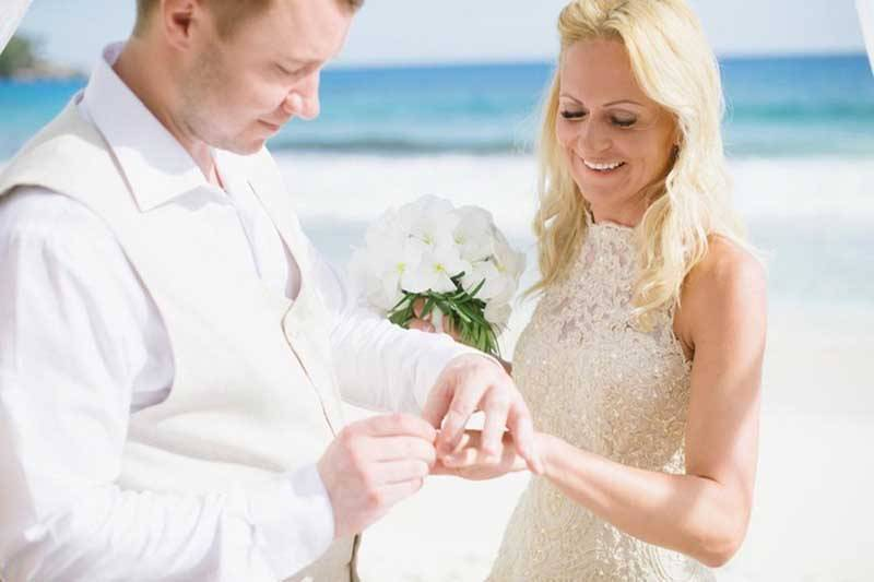 Bride and Groom Wedding in Seychelles