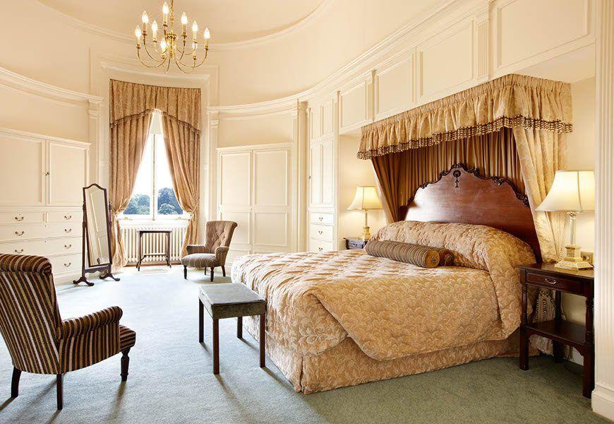 Lady Zia bedroom