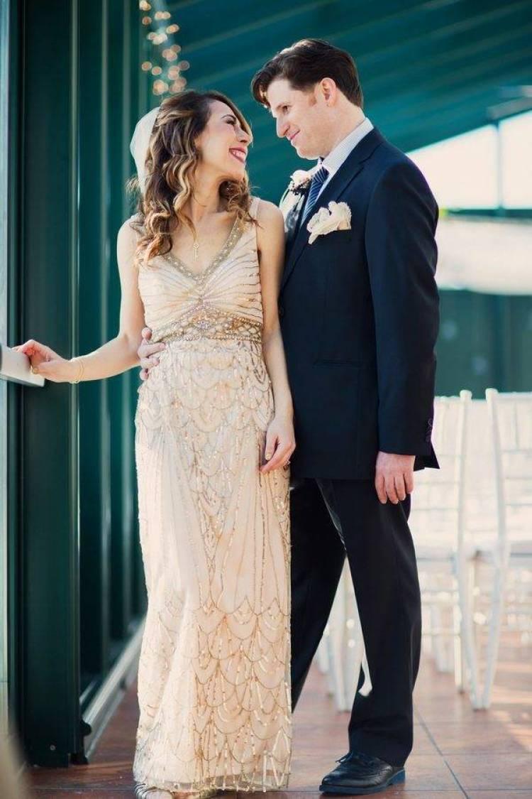 A Great Snow Sprinkled Gatsby wedding 6