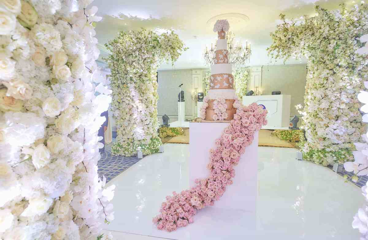 Karen Tran Floral Opulence at The Savoy London - Elizabeth's Cake Emporium