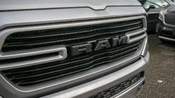 Canadian-Exclusive 2019 Ram 1500 Sport Crew Cab 4x4. (Abbotsford Chrysler).