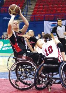 Janet McLachlan Immovesta Dolhpins Basketball Rollstuhl - 5VIER