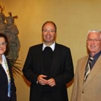 Ackermann mit den beiden neuen Missbrauchsbeauftragten Gisela Lauer und Peter Rütten - 5VIER