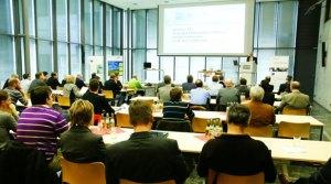 Das Publikum verfolgte die diversen Vorträge aufmerksam (Foto: MITT). - 5VIER