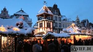 20101217 Schneegeschichten, Winter in der Trierer Innenstadt, Weihnachtsmarkt, Foto: Anna Lena Bauer - 5VIER