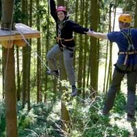 Ein Erlebnis der besonderen Art: Klettern im Hochseilgarten Trier. Foto: Palais e.V. Trier - 5VIER