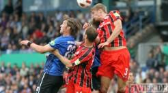 20110730 Eintracht Trier - St. Pauli, Stange, Kopfball, DFB Pokal, Foto: Anna Lena Bauer - 5VIER