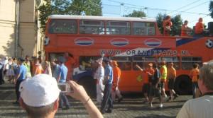 Die Parade der Holländer zieht durch Charkow.