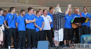Stadionfest Eintracht Trier - TITELBILD Singen mit den Leiendecker Bloas