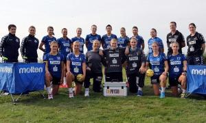 Die Trierer Handballerinnen in ihrer Arbeitsbekleidung. Foto: HBF-info.de