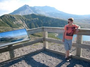 Alexander Heinen vor dem Mount Saint Helens