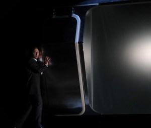 Alexander Trauth als Seth Brundle