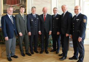 Foto: Polizei Trier. v.l.n.r. Hans Düpre, Lothar Butzen, Rainer Nehren, Lothar Schömann, Franz-Dieter Ankner, Jürgen Schmitt und Edmondo Steri