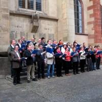 Der Friedrich-Spee-Chor vor dem Eingang zur Gruft des Jesuiten - 5VIER