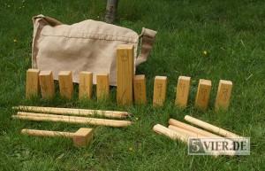 So sieht ein komplett selbstgebautes Kubb-Spiel samt Picknick-Tasche aus. Foto: Stephan Nestel