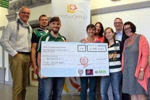 Spendenübergabe Touch-Rugby an nestwärme, Foto: Agenturhaus - 5VIER