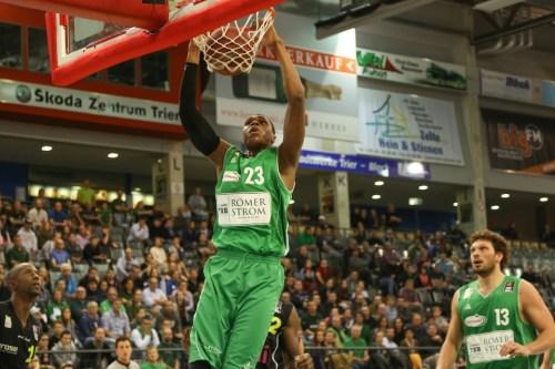 Blitzsaubere Weste: Vitalis Chikoko mit 14 Punkten, 5 Rebounds und Topquote. Foto: Thewalt