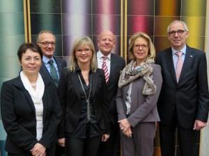 Das Bild zeigt (von links) Andrea Weber, Ulrich Rust, Karin Kaltenkirchen, Hanns Rendenbach, Birgit Steil und Peter Adrian. Foto: IHK Trier