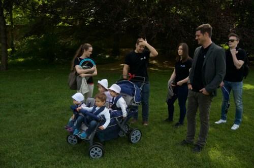 Die gemeinsame Probefahrt mit dem neuen Kinderwagen.