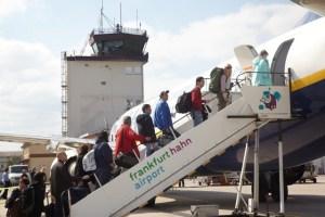 Die Passagierzahlen am Hahn sind 2016 bisher nur leicht rückläufig - 5VIER