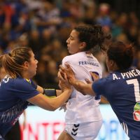 Frankreich gegen Paraguay bei der Handball-WM der Frauen in Trier