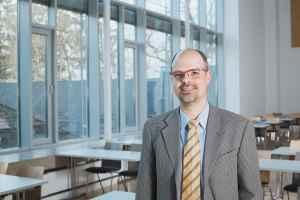 Prof. Marc Regier - 5VIER