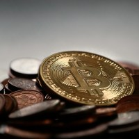 Das Bild zeigt Bitcoins.