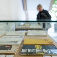 """10.04.2019 Weimar: Eröffnung der Ausstellung """"Die Bauhausbücher - Ein europäisches Publikationsprojekt des Bauhauses 1924 - 1930"""" in der Universitätsbibliothek der Bauhaus Universität. Foto: Thomas Müller - 5VIER"""