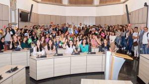 Gruppenfoto des internationalen Ferienkurses der Uni Trier Bild: Pressestelle Uni Trier - 5VIER