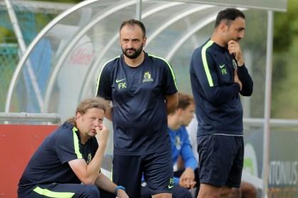 Kuduzović in neuer Rolle neben Cheftrainer Josef Cinar. Foto: Sebastian J. Schwarz - 5VIER
