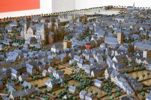 """Ansicht des Dombezirks im Stadtmodell """"Trier um 1800  von Albert Kiefer  Bild: Stadtmuseum Simeonstift - 5VIER"""