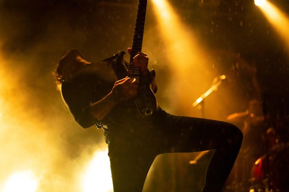 Der Lead-Gitarrist von Thy Art is Murder auf dem Summerblast 2019