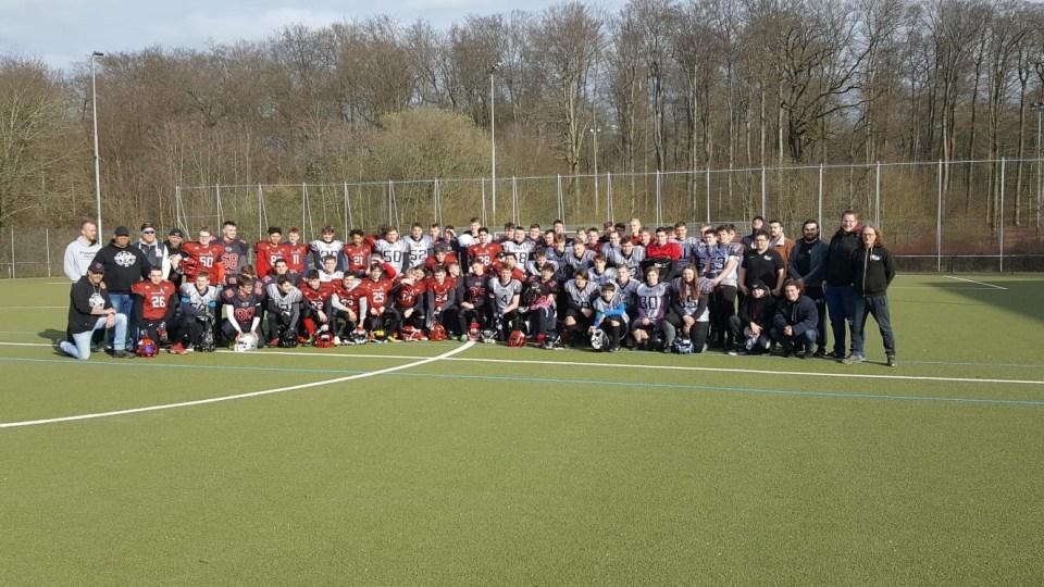 Mannschaftsfoto der PST Trier Stampers U17 und U19 - Foto: PST Stampers