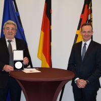 Wissing verleiht Wirtschaftsmedaille an Roland Bott aus Guldental