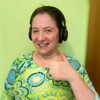 Gewinnerin Irina Kühn freut sich über ihr neues Headset. Bildquelle: privat