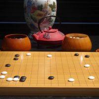 Das traditionelle chinesische Brettspiel Go wird weltweit von über 100 Millionen Menschen gespielt. Foto: Marc Oliver Rieger.