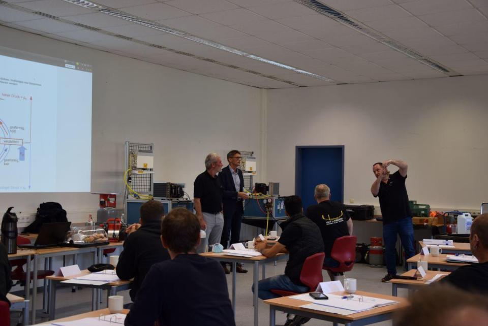Herr Dr. Schäfer hat vergangene Woche die Fachkräfte begrüßt. Bildquelle: Kreisverwaltung Trier-Saarburg
