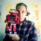 RUSHKOFF_with robot