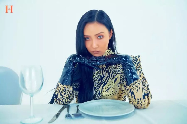 MAMAMOO's Hwasa Talks About Upcoming Solo Music, Dating Style, And More