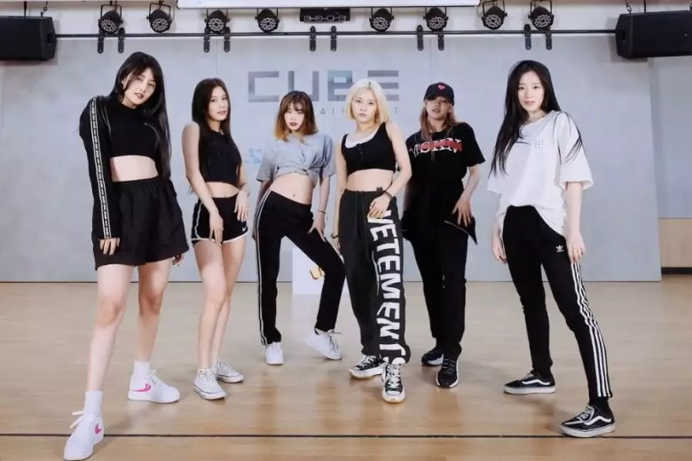 "Watch: (G)I-DLE Oozes With Confidence In Dance Practice Video For ""Uh-Oh!"""