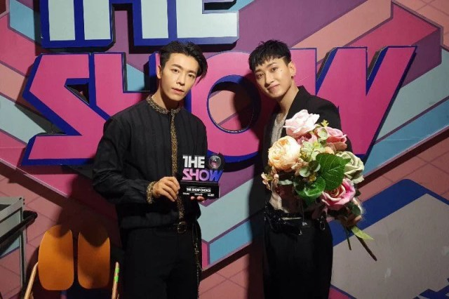 "Watch: Super Junior D&E Grabs 1st Win For ""Danger"" On ""The Show""; Performances By DIA, 1THE9, And More"