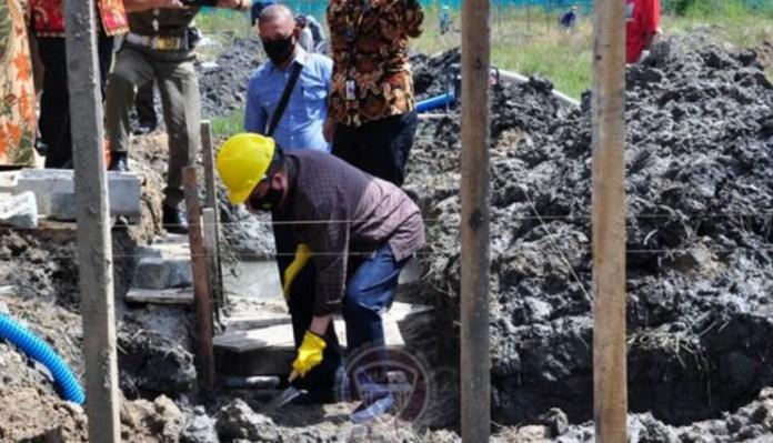 Idris Rahim Meletakkan Batu Pertama Kampus UBM Gorontalo