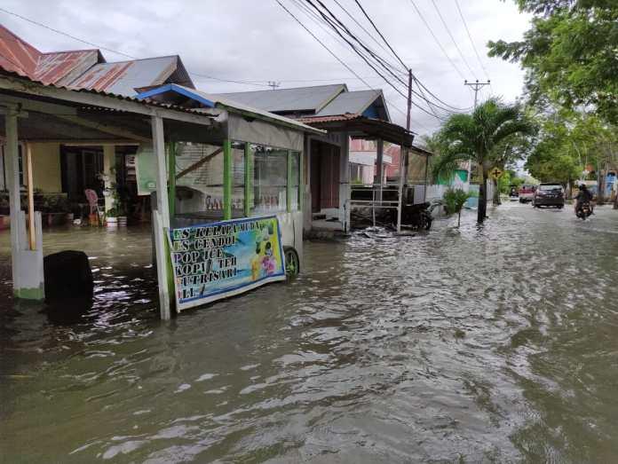 Terendam Banjir, Warga Kelurahan Heledulaa Butuh Bantuan