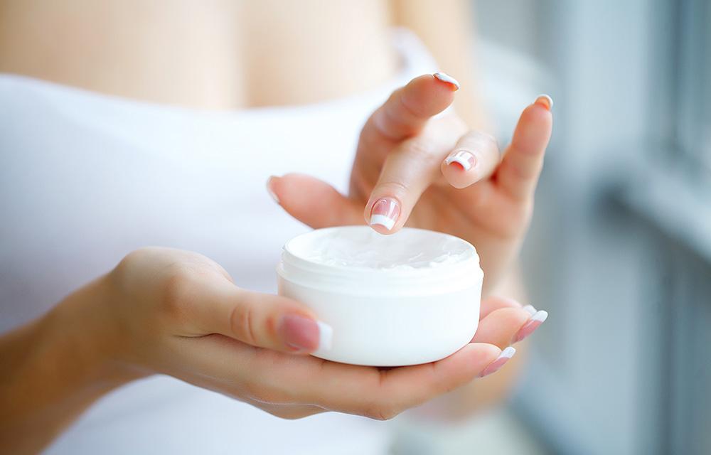 cuidados básicos da pele: tonificação 60 mais